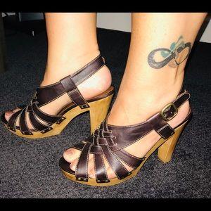 Xhileration brown wood block 8 sandal